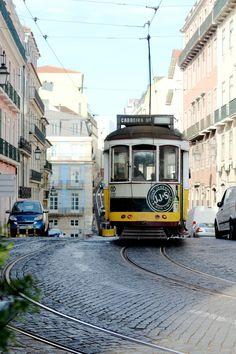 Groene hotspots in Portugal -  via Degroenemeisjes 08.04.2015 | Inmiddels zijn we alweer ruim twee weken terug uit Portugal. Wat was dat een toffe trip zeg! We kwamen thuis met een heleboel fijne, zonnige foto's en we beloofden jullie nog te voorzien van de nodige groene hotspots in Évora en Lissabon.