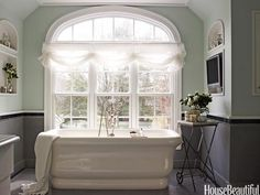 Whether you have a powder room, master bath, or ensuite, these bathroom design pictures will inspire you when you spruce up your own bathroom. Timeless Bathroom, Beautiful Bathrooms, Best Bathroom Designs, Bathroom Ideas, Bathroom Colors, Bathroom Wall, Relaxing Bathroom, Bathtub Ideas, Bathroom Updates