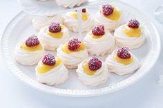Mini Pavlova's met Lemon Curd en Frambozen