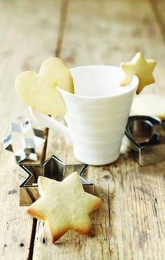 put a cut in the cookie right out of the oven to put on a cup. Cute!