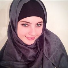 Image about black in Hijab by ♔ Rania Arabian Beauty ♔ Beautiful Hijab Girl, Beautiful Muslim Women, Muslim Women Fashion, Islamic Fashion, Makes You Beautiful, Beautiful Eyes, Arabian Beauty Women, Muslim Beauty, Arab Women
