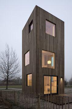 Ein Minihaus-Prototyp von Ana Rocha in Almere / Superschlank in Holz - Architektur und Architekten - News / Meldungen / Nachrichten - BauNetz.de