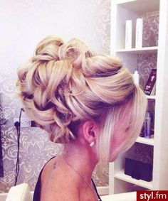 to Grow your Hair Longer without Biotin Treatment. Love this bridal wedding updo! :)Love this bridal wedding updo! Evening Hairstyles, Homecoming Hairstyles, Fancy Hairstyles, Hairstyles Haircuts, Wedding Hairstyles, Wedding Updo, Prom Updo, Blowout Hairstyles, Homecoming Updo