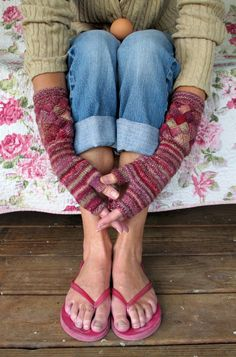 simply adorable! Fingerless Glove #Knitting pattern on #Knitty