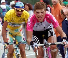 #MarcoPantani  #PersonalTrainerBologna #ciclismo #ciclista #sport #sportivo Bicycle Race, Bike, Personal Trainer, Trainers, Racing, Memories, Sports, Grande, Clothes