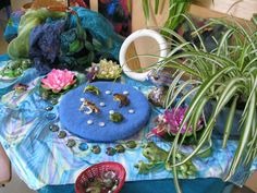 mini-pond set-up. So cute- and would be a great side activity for a camping theme (or a pond life theme, of course.)