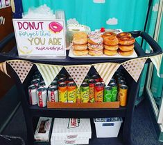 27 Teacher Appreciation Ideas to Show Your Staff You Love 'Em 27 Ways to Make Sure You Do Teacher Appreciation Right<br> Gratitude is an attitude. Employee Appreciation Gifts, Volunteer Appreciation, Teacher Appreciation Week Theme, Teacher Appreciation Breakfast, Teacher Breakfast, Volunteer Gifts, Teacher Treats, Teacher Gifts, Teacher Thank You