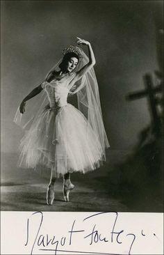 Margot Fonteyn est une grande danseuse Anglaise (1919-1991)