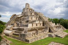 Edzná - Mayan archaeological site in the north of the Mexican state of Campeche. Already inhabited in 400 BC, it was abandoned circa 1,500 AD. Although it may have been inhabited as early as 600 BC, it was not until 200 AD before it developed into a major city