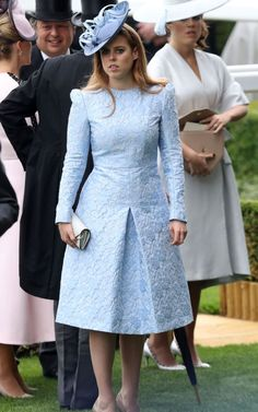 - Photo - We've seen some fabulous outfits at Royal Ascot 2018 so far. Here are the best outfits from day 4 and 5 including Meghan Markle, Princess Beatrice, The Queen and Helen Mirren Princesa Beatrice, Royal Fashion, Fashion 2018, Fashion Dresses, Fashion Trends, Royal Ascot, Royal Dresses, Blue Dresses, Purple Gowns