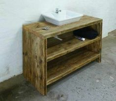 Badkamer on pinterest bathroom wallpaper tile and vans - Badkamermeubels vintage ...