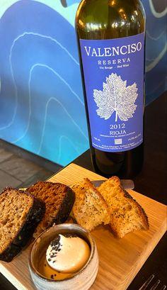 Spanish Wine, Restaurant Recipes, Alcoholic Drinks, Bread, Brot, Liquor Drinks, Baking, Breads, Restaurant Copycat Recipes