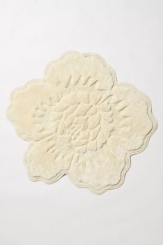A couple of these rose bathmats on either side of the bed would be soooo cozy! Great instead of your typical rug. Much softer and can be easily thrown in the wash to freshen up every so often.