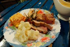 Lamsgebraad, gratin van aardappel en pompoen en dijonaise (bekijk video) - Vtm koken - De keuken van Sofie !