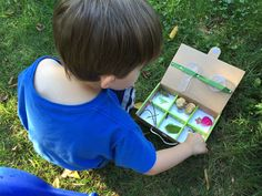 The September 2016 Koala Crate had us exploring the great outdoors! Koala Crate is a fun subscription box for preschoolers – see our review + save 40%!    - https://hellosubscription.com/2016/10/koala-crate-september-2016-subscription-box-review-coupon-nature-t/ #KoalaCrate #subscriptionbox