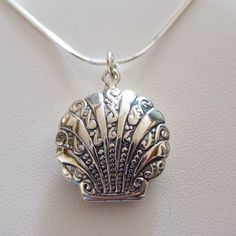 Clam Shell Locket Necklace - 925 Sterling Silver - Holds 2 Photos Beach Sea NEW  #FashionJunkie4Life #Locket