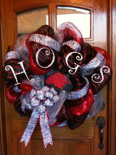 Good ideas for Razorback wreaths... Love football season!!