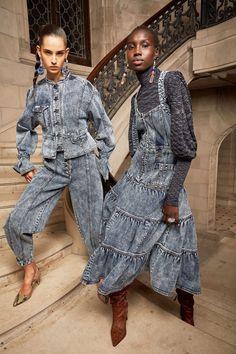 Ulla Johnson Pre-Fall 2020 Fashion Show - Trend Rockiger Stil 2019 2020 Fashion Trends, Fashion 2020, Runway Fashion, Fashion Show, Womens Fashion, Fashion Art, Denim Fashion, Fashion Outfits, Dress Fashion
