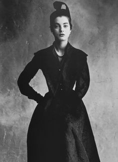 Balenciaga's fitted coat in padded Ducharne silk with detachable collar, Régine Debrise by Irving Penn, Oct 1950