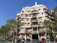 カサ・ミラ | アントニ・ガウディーに魅せられて(スペイン)No.9 | Tabi/世界の建築 | お知らせ | デザイナーズマンション,株式会社リネア建築企画