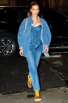 Bella Hadid Wore a Tiny Tank and Jeans to the VMAs After Party Celebrity Sightings In New York City - April 2019 Bella Hadid Outfits, Bella Hadid Style, Casual Fall Outfits, Cute Outfits, Spring Outfits, Dior, Models Off Duty, Fashion Outfits, Womens Fashion