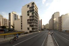 "Gallery of Nitsche Arquitetos' Full Scale Mural Brings Life to São Paulo's ""Blind Walls"" - 12"