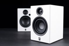 Computer speakers with bass that go to a loud volume