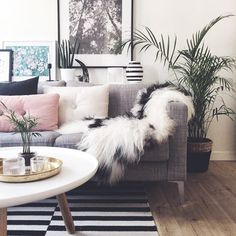 So Luxe - 16 Cozy Living Rooms We Want To Live In - Photos