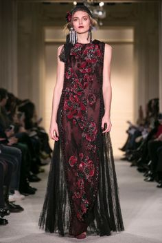 A look from the Marchesa Fall 2015 RTW collection.