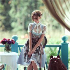Dirndl: Traditional dress worn in Germany, Switzerland, Liechtenstein, Austria and South Tyrol. edelweiss München - Modell Bettina | S♥