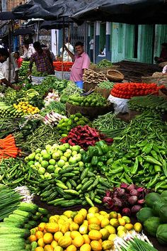 Vegetable Market in Assam , India The wholesale market for fruits and vegetables is an experience that is really difficult to describe.You will be astonished by all the fresh fruits and vegetables that arrive here every morning from all over India Places Around The World, Around The Worlds, Traditional Market, Amazing India, Vegetables Photography, Fresh Market, World Market, Fruit And Veg, Farmers Market