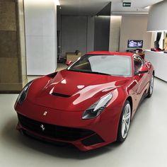 automotivated:  Ferrari F12berlinetta (by pskrzypczynski)