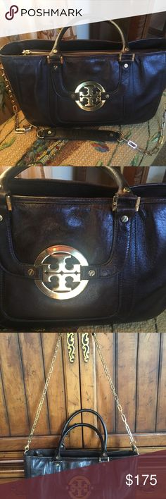 """Tori Burch Amanda Brown Leather Bag Gorgeous large bag. Purchased off posh for my daughter but it was to big for her. Excellent condition  Strap is removable  15"""" Wide 8"""" Tall Tory Burch Bags Shoulder Bags"""