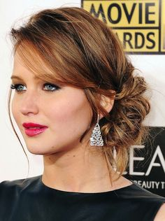 17 Red Carpet Inspired Easy Updos for long Hair Pictures