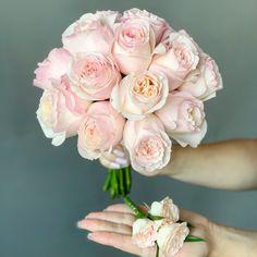 #букетневесты #свадьбацветы #невестацветы #букетневестысдоставкой #букетневестыдоставка #доставкабукетневесты #букетневестымосквадоставка #букетневестымосква #купитьбукетневестымосква #купитьбукетневесты #свадьбадекор #невестабукет #бутоньерка Floral Wreath, Wreaths, Rose, Flowers, Plants, Wedding, Decor, Valentines Day Weddings, Floral Crown