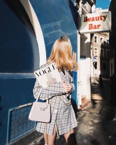 I WISH TO BE IN PARIS – TheyAllHateUs