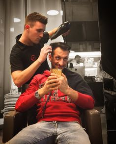 End Of The Cut is The Time Of The Fold 🔝💇🏻‍♂️👨‍👦💪🏼✂️📱❤️💯🆕🔴 #posing @antonysax @maurositura #hairdresser #stylist #top #saloon @aldocoppola #milan #city #CorsoGaribaldi110 #AfterWork #relax #smile #iphone #followme #followers #mypagepublic #socialnetwork #pinterest #instagram #swarm #tumblr #twitter #likeforlike #lifestyle #style #lifeisgood #beautifulPhoto #beautiful
