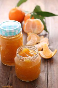LaMarmellata di clementine è facilissima da preparare ed è perfetta spalmata sul pane fresco oppure come ripieno di torte e biscotti.Profumata e