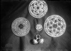 Rikard Berges fotoarkiv. Søljer. Hjartdal, Telemark. Fotografert 1910. Crochet Earrings, Museum, Jewelry, Jewlery, Jewerly, Schmuck, Jewels, Jewelery, Museums