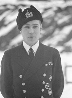Captain Lieutenant Jouko Pirhonen (1915-1996). Mikkeli, Finland. 19.12.1943. Served in Finnish Navy 1934-1974. During his wartime service he mostly commanded minelayers and motor torpedo boats, but also served as company commander in Battalion Aaltonen (infantry unit created of navy personnel) which took part in the Battle of Vyborg Bay at the end of the Winter War.