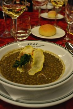See 1 photo from 3 visitors to Istituto alberghiero villa santa maria. Santa Maria, Chana Masala, Villa, Ethnic Recipes, Food, Dinner, Essen, Meals, Fork