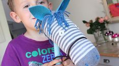 cheval à fabriquer avec un manche à balais et une chaussette