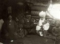 Family in a yurt. Kyrgyz. Turkestan. Ferghana region. Beginning of the twentieth century. Funds SEM.