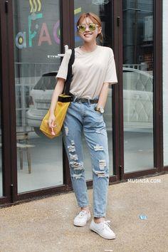 Giới trẻ thế giới đồng loạt lăng xê street style đơn giản mà nổi bật - Kenh14.vn