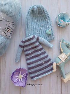 Outfit for Blythe dolls. Outfit for Blythe dolls. Crochet Bear, Crochet Patterns Amigurumi, Amigurumi Doll, Knitting Patterns, Blythe Dolls, Barbie Dolls, Sewing Dolls, Dress Hats, Knitted Dolls
