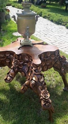 Credit to DM if you are the Owner. Wood Working Projects Carpentry Furniture DIY Hand Power Tools How To Ideas Crafts Signs Tree Carving, Wood Carving Art, Wood Art, Log Furniture, Unique Furniture, Wood Sculpture, Sculptures, Wood Projects, Woodworking Projects