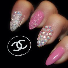 @theamazingworldofj stiletto nails