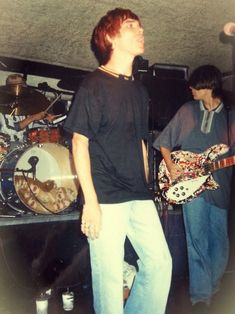 See The Stone Roses pictures, photo shoots, and listen online to the latest music. Brown Aesthetic, 90s Aesthetic, Inspiral Carpets, Celebrities Reading, Stone Roses, Band Photography, Britpop, Band Photos, Rockn Roll