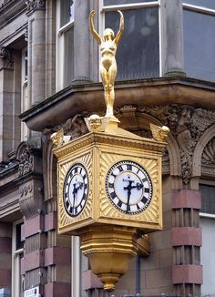The corner clock of Northern Goldsmiths, Newcastle upon Tyne.