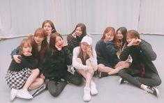 Fandom, Yuri, Secret Song, Kpop Girl Bands, American Teen, Survival, Japanese Girl Group, School Memories, Famous Girls